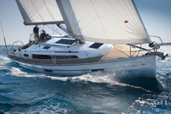 Bavaria Cruiser 37 slider